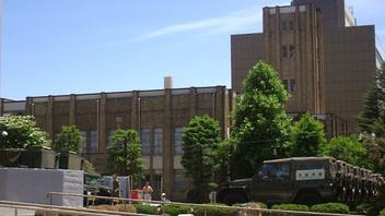 201106_岩手県庁駐車場